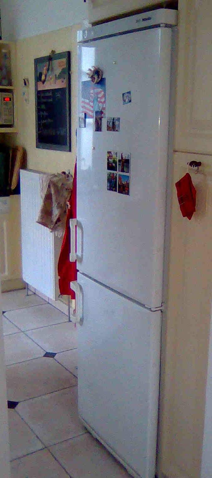 plus de temps pour un frigo que pour un placement fr. Black Bedroom Furniture Sets. Home Design Ideas